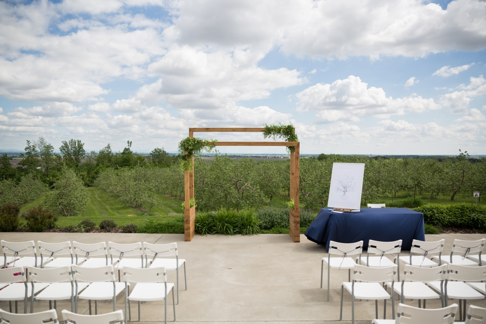 montreal_lifestyle_wedding_photographer_photography_orchard_winery_photographe_mariage_vignoble_rougemont-24