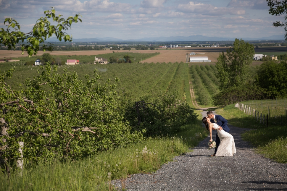 montreal_lifestyle_wedding_photographer_photography_orchard_winery_photographe_mariage_vignoble_rougemont-33