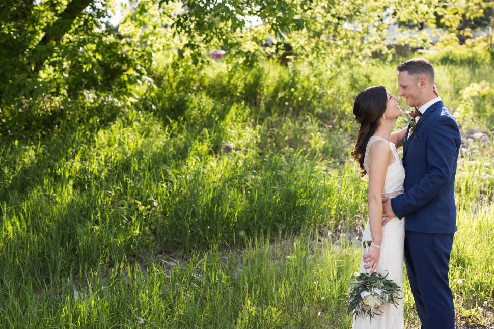montreal_lifestyle_wedding_photographer_photography_orchard_winery_photographe_mariage_vignoble_rougemont-35
