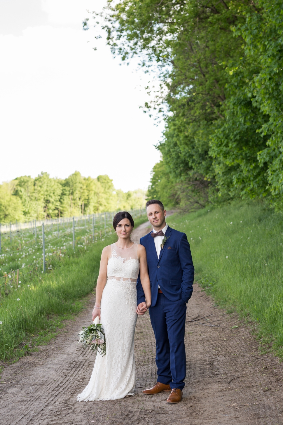 montreal_lifestyle_wedding_photographer_photography_orchard_winery_photographe_mariage_vignoble_rougemont-40