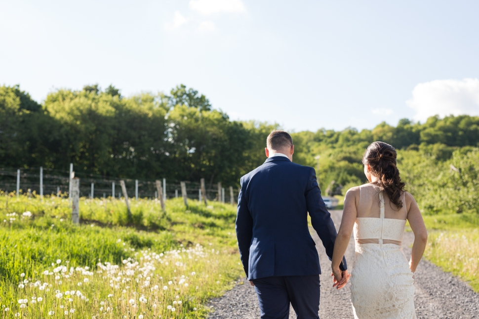 montreal_lifestyle_wedding_photographer_photography_orchard_winery_photographe_mariage_vignoble_rougemont-44